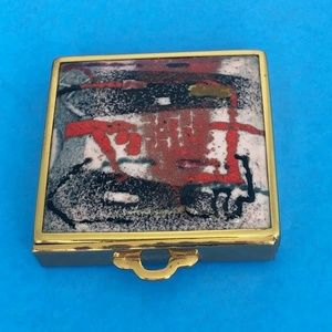 1930's Red Impressionistic Enamel Compact
